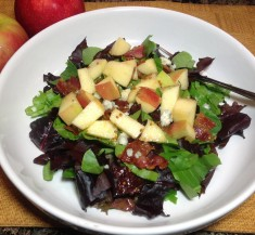 Bacon and Gorgonzola Salad with Apples
