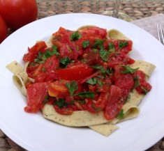 Linguine with Basil Tomato Sauce