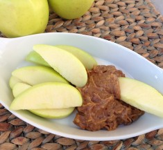 Sliced Apples with Date Caramel Apple Dip