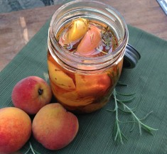 Quick Pickled Summer Peaches